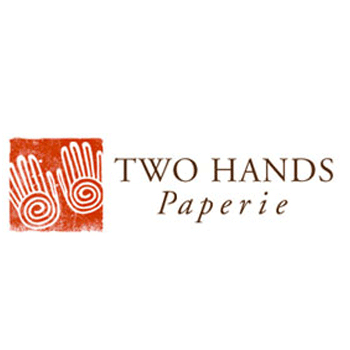 Two-Hands-paperie
